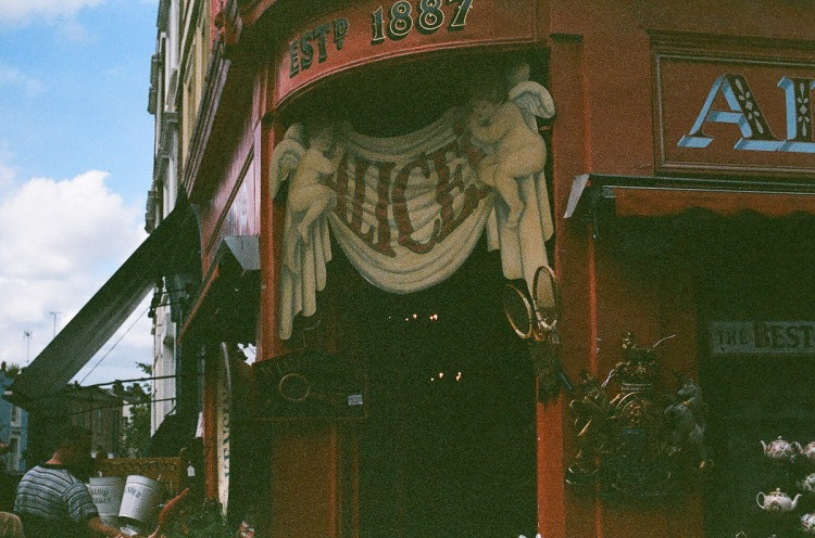 Notting Hill, Ladbroke Grove, Westborne Grove, Antiques, Alice's, Portobello road, Analogic, Film, 35mm, Canon,