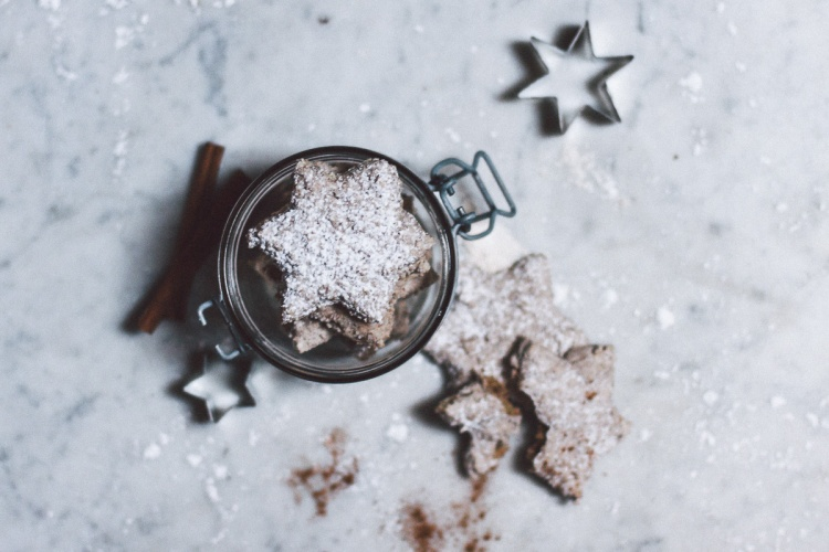 Cinnamon Walnut Stars, Recipe, Photography, Calligraphy, Hand lettering, Christmas, Advent, Germany, Walnut, Flour, Spoon, Sugar