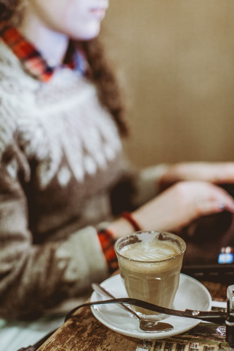 Freemans Coffee Shop Marchmont, Edinburgh, Scotland, Cappuccino, Food, Photography, Daniel Farò, Styling, Interior, Lunch, Shabby Chic, Roasted Coffee, Girl, Laptop
